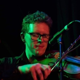 Ben Clapton performing with Alternative Symphony